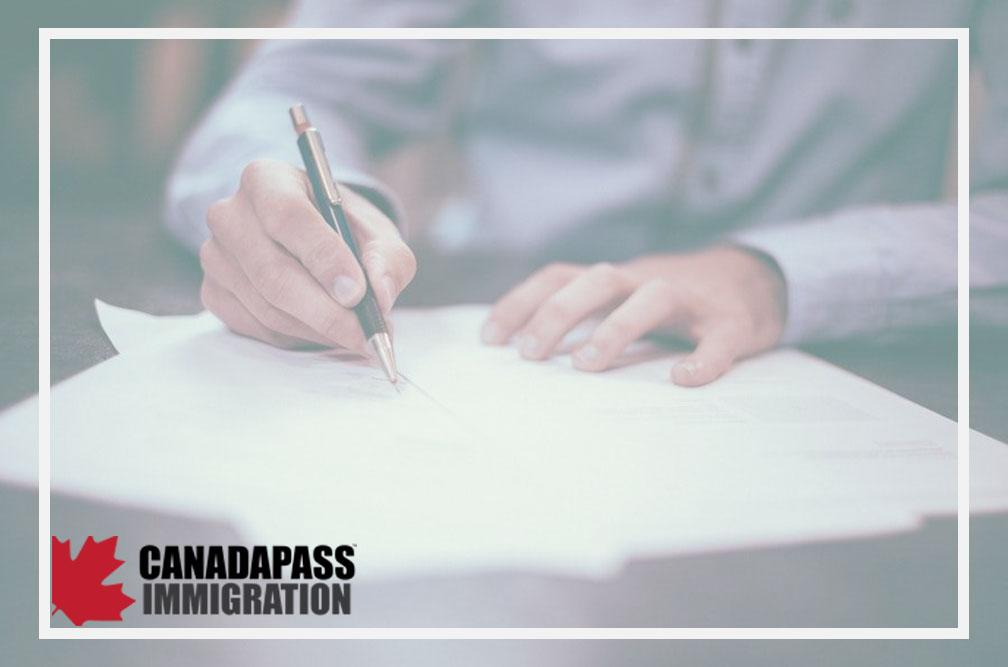چگونه فرم درخواست ویزای کانادا را پر کنیم؟