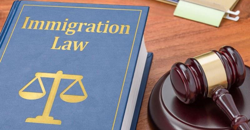 دلایل استفاده از وکیل مهاجرت به کانادا